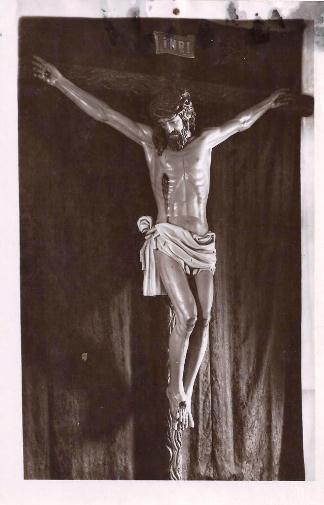El Cristo, recién finalizado, en el taller de Alarcón